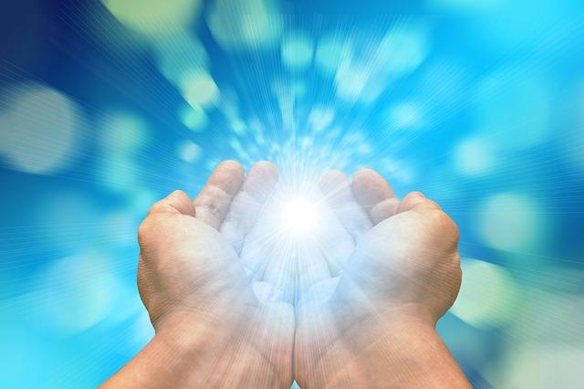 envoi de l'Energie Universelle Reiki par les mains